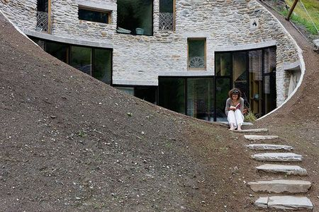 underground_home_designs_swiss_mountain_house_3