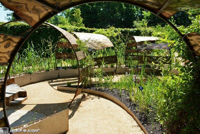 1507-Le-jardin-déchêné