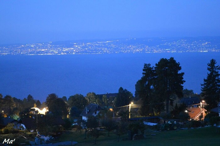 161027_lac_leman_by_night
