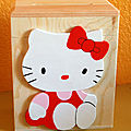 TIRELIRE HELLO KITTY