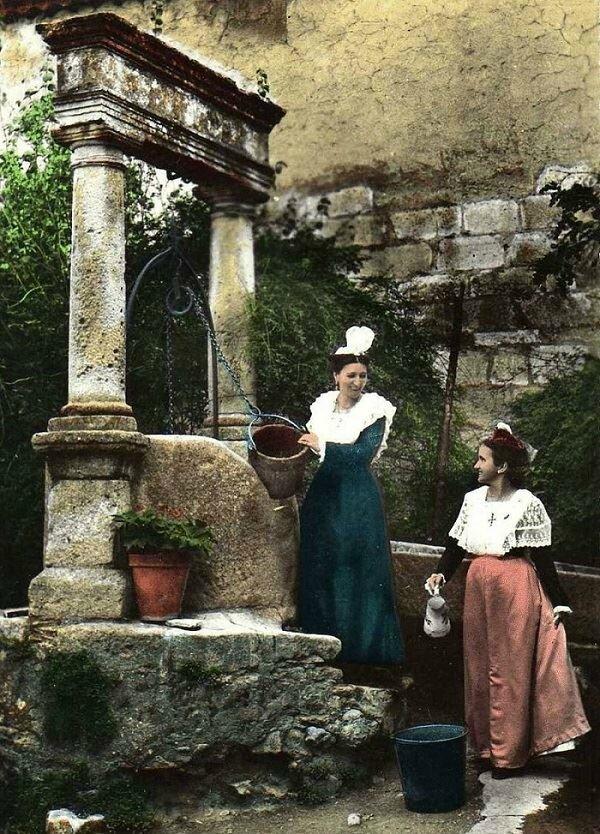 Arlésiennes au puits