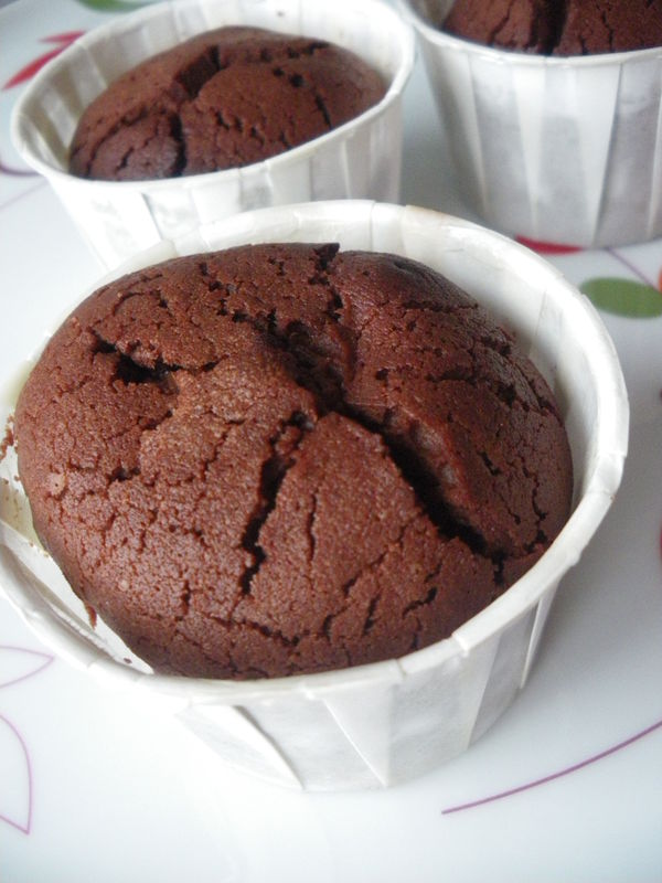 Muffins chocolat coeur fondant - La table a dessert fondant au chocolat ...