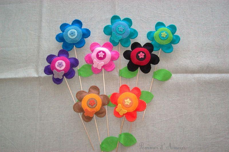 bouquet de fleurs en feutrine photo de feutrine pommes d 39 amour. Black Bedroom Furniture Sets. Home Design Ideas