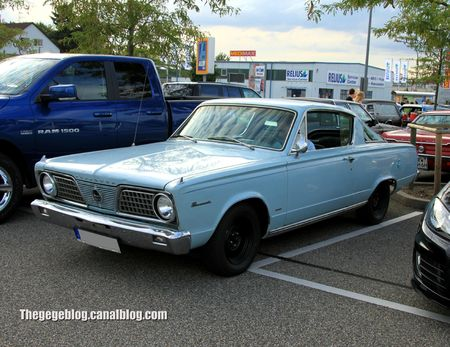 Plymouth barracuda coupé de 1966 (Rencard Burger King aout 2012) 01