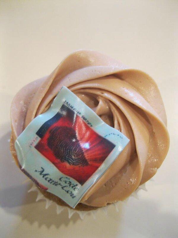 Gâteau en forme de roman Marie-Lou