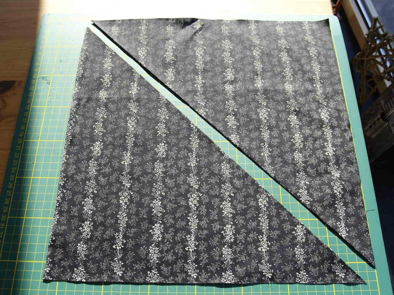 Comment r aliser du biais quelle est la quantit de tissu n cessaire pour fabriquer mon biais - Comment couper des plinthes en biais ...