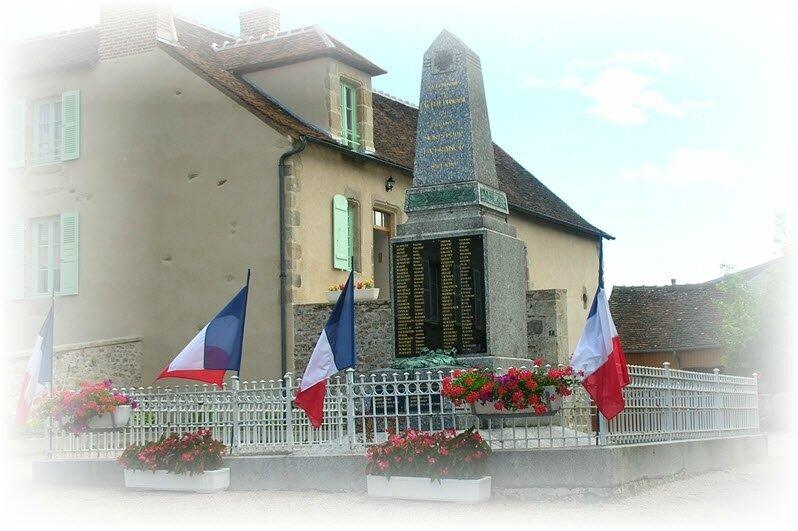 Monument-aux-Morts, La Celle-Dunoise, Creuse - © C. MENOT