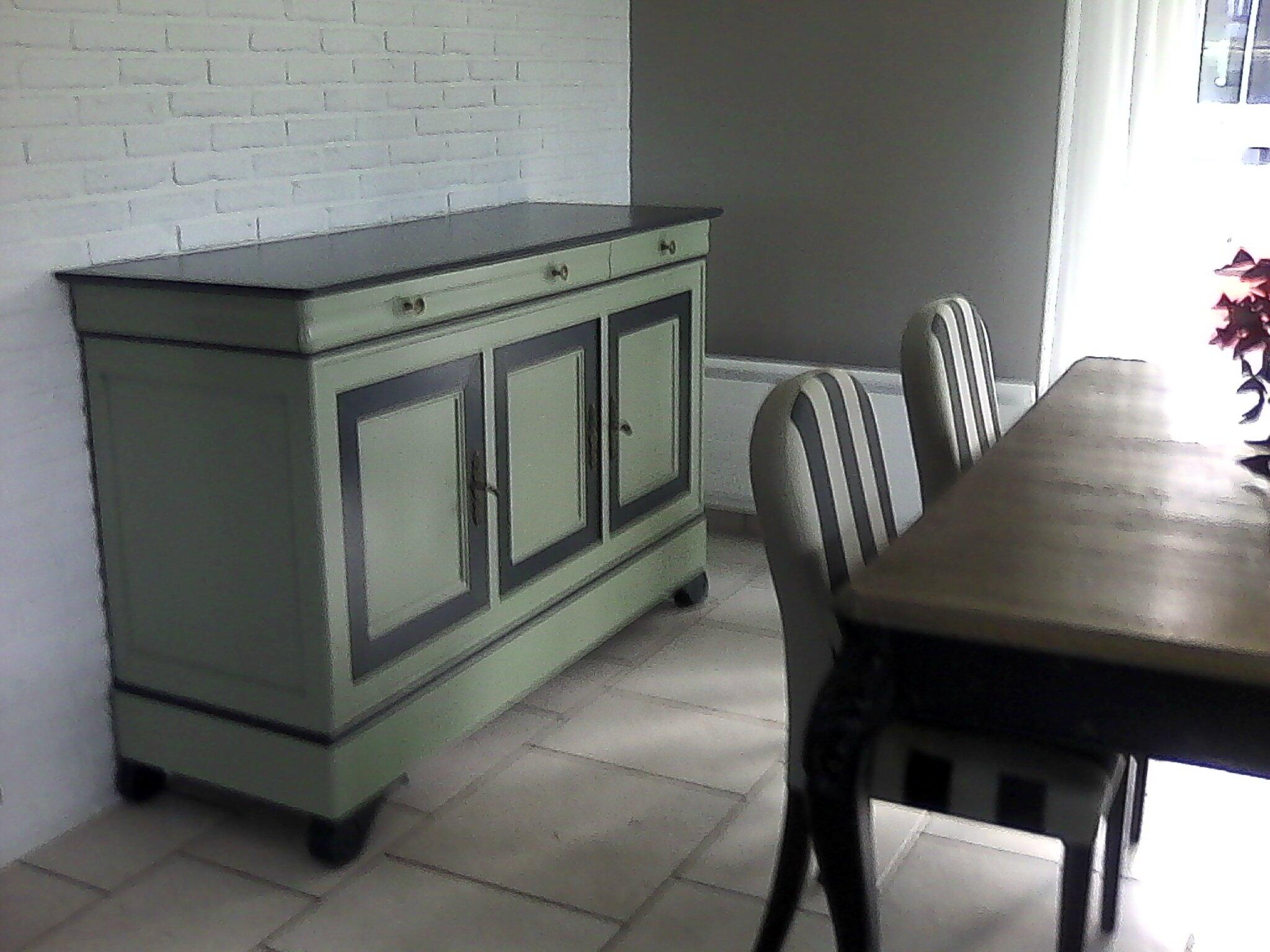 un bahut relooker pour une cliente vert de gris carbonne relook meubles62. Black Bedroom Furniture Sets. Home Design Ideas
