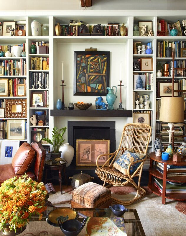 alexandra-loew-living-room-artwork-books-interior-design
