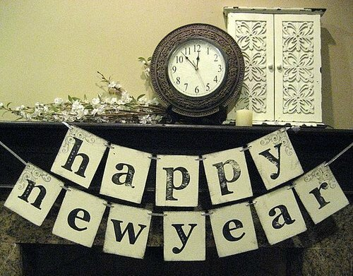 shabby-chic-reveler-Happy-New-Year-Double-Banner-Garland-23-must