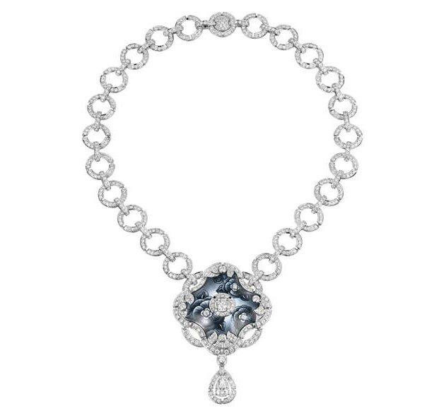 Chanel Joaillerie, Broche Attirante, Bracelet Mystérieuse, Collier Fascinante, Bague Hypnotique