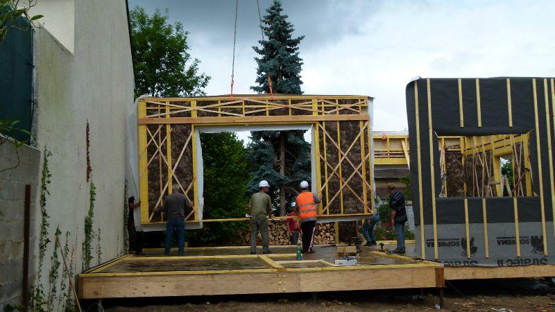 3 m de baie vitr e photo de montage de la structure rdc construction d 39 une maison ossature. Black Bedroom Furniture Sets. Home Design Ideas