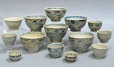 A selection thirteen bowls and cups. Late 15th/Early 16th Century