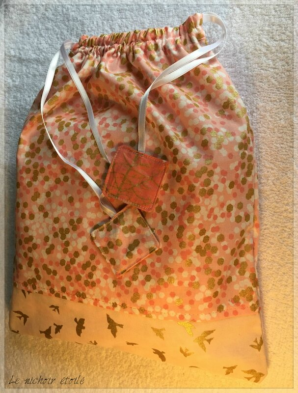 Le nichoir étoilé cadeau naissance rose M