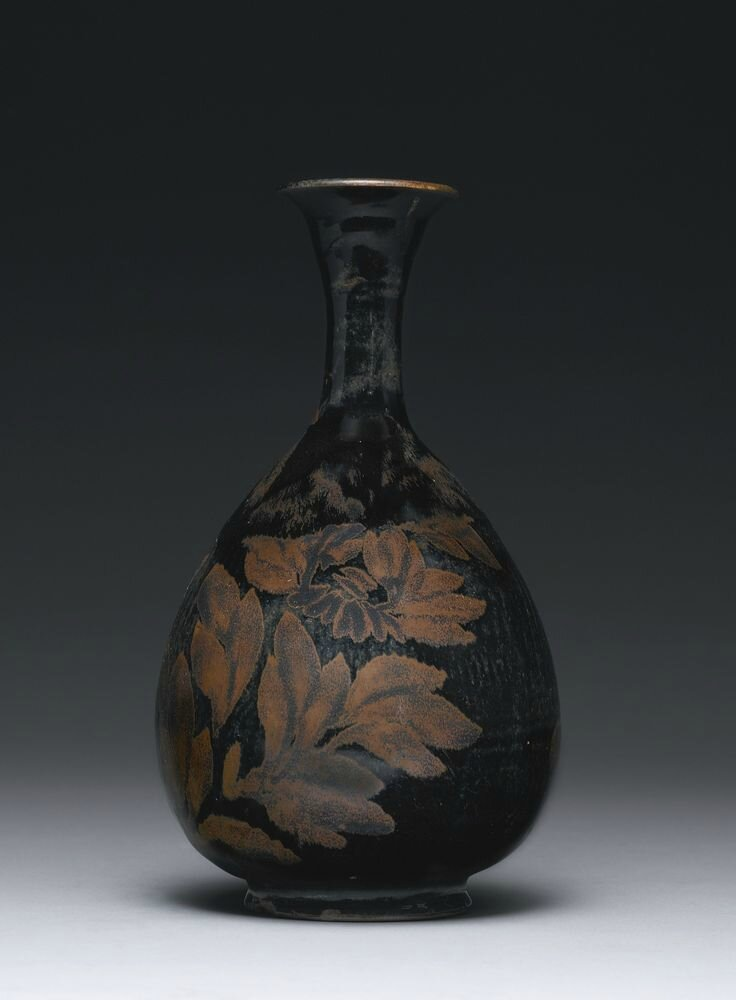 A black-glazed russet-splashed vase (yuhuchunping), Northern Song-Jin dynasty