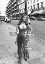mm_dress-bus_stop-1975-london-auction_christies