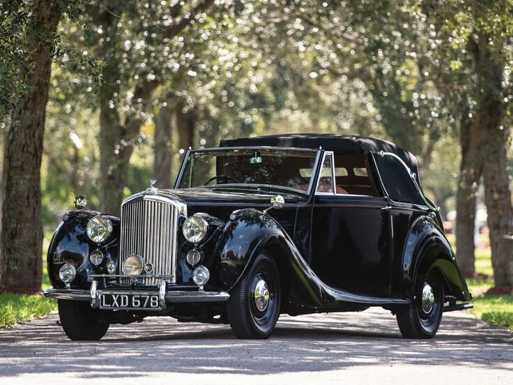 1948 Bentley Mark VI Three-Position Drophead Coupé by James Young