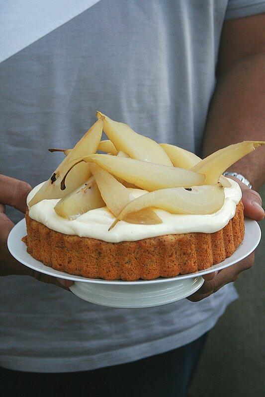 Gâteau façon tarte, à la poire confite, pavot et mascarpone