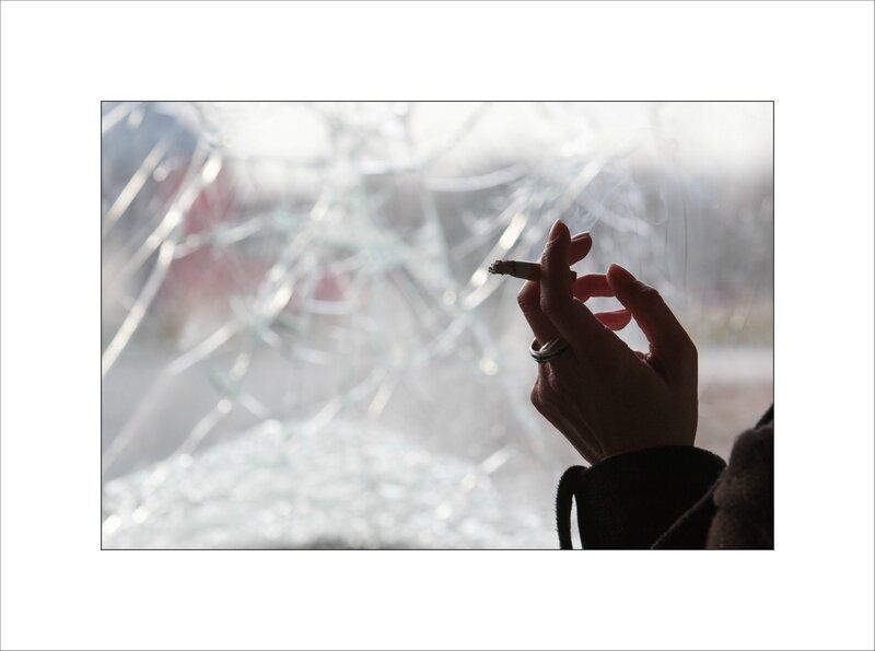 Urbex trio cigarette vitre cassée 3 020316