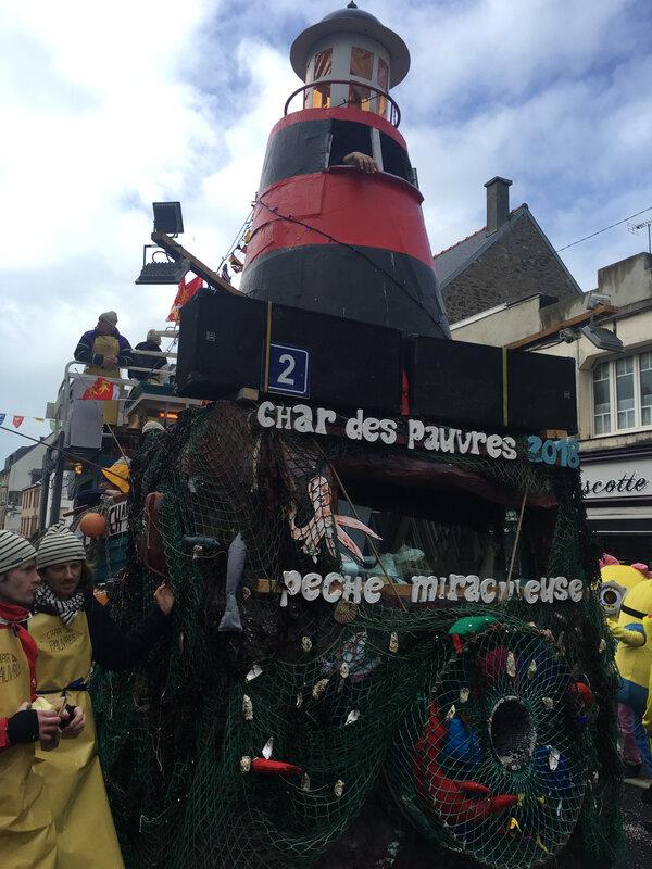 Carnaval Granville Manche 2017 char des pauvres