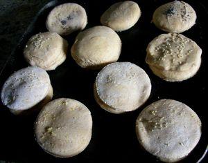 English_muffins_cru