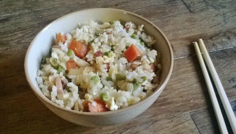 riz cantonais lardons, carottes,petits pois, oeuf,