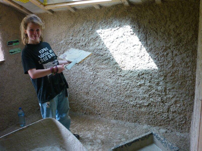Renover une maison - longère - enduits chaux chanvre - mur en pierre - gobetis - enduit de corps - enduits de finition6