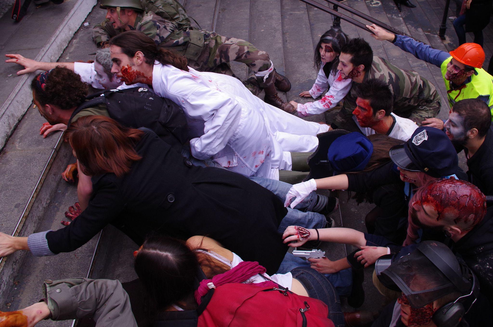 Les zombies sortent du métro