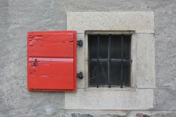 Regards et Maisons red 2