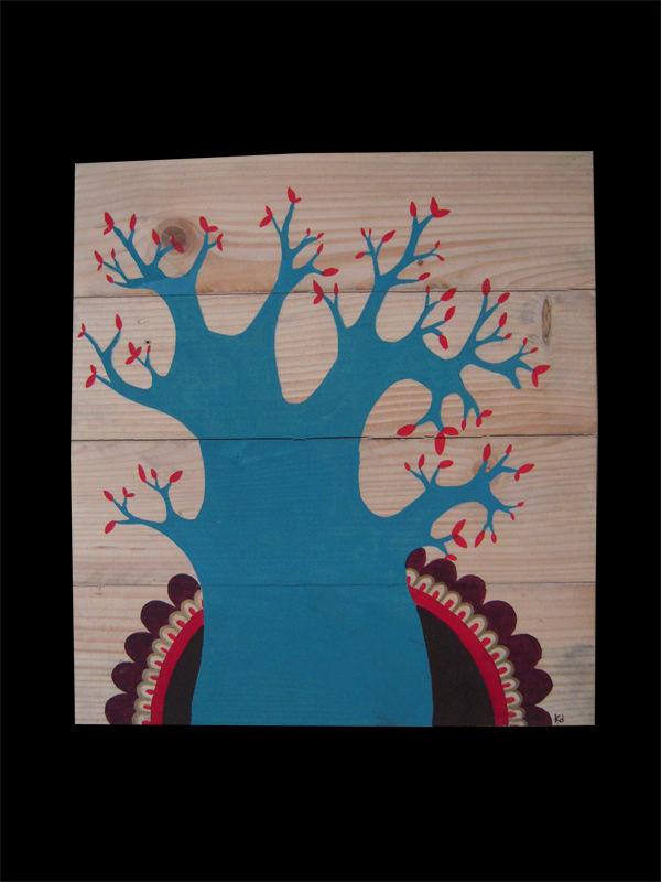 arbre bleu et motif