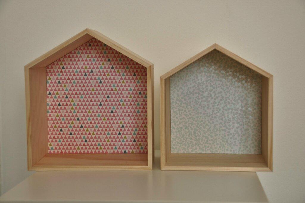 Deux petites maisons en bois pour ma maisonnée...Two little wooden houses...
