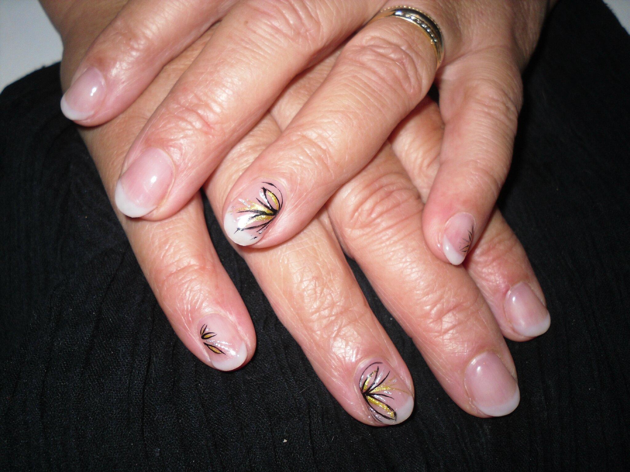 Passion 39 nail pose d 39 ongles en gel french nail art et deco personnalis e passion 39 nail - Ongle en gel amande ...