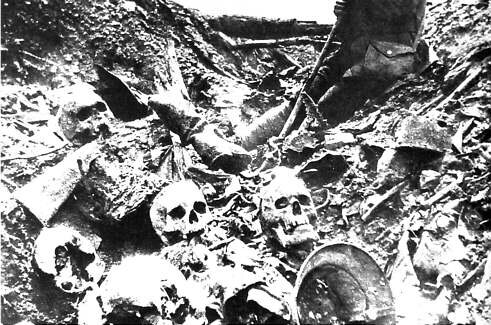 German_dead_at_Verdun-gr131521