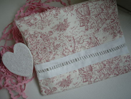 pochette_coeur_broderie_ajour_e_007