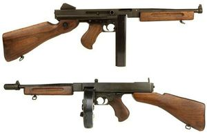 Thompson-M1928A1-et-M1A1
