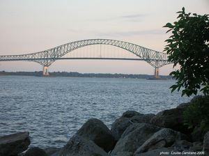 Pont_Laviolette_2__photo_sign_e