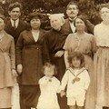 Grand-mère et Grand Père à gauche
