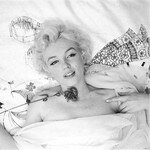 1956_feb_CecilBeaton_Bed_0010_100a1