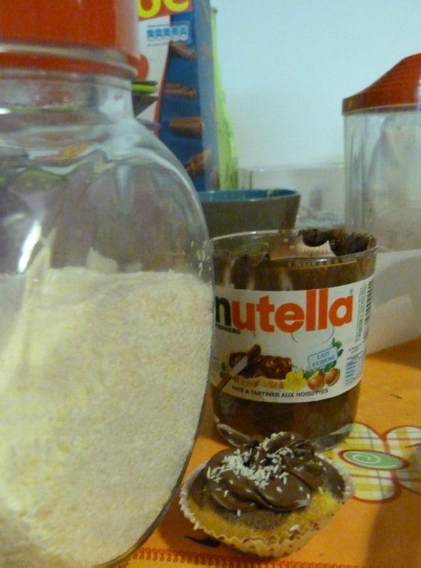 Extrêmement Cupcakes marbrés chocolat blanc/chocolat noir et son décor nutella  HC99