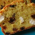 Un cake banal devenu pas banal : CAKE POULET, RAISINS SECS, CURRY & CORIANDRE