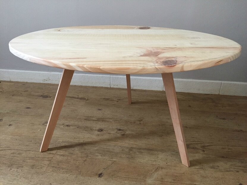 Une table basse au look scandinave indus home factory for Peinture table basse