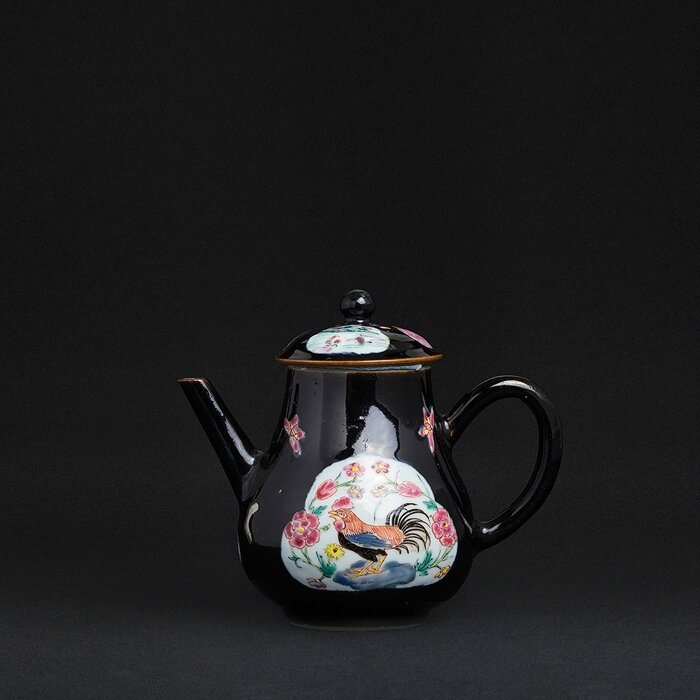 Famille Noire 'rooster' Teapot, China, Yongzheng period
