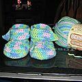 Petits chaussons bébé environ 6 mois