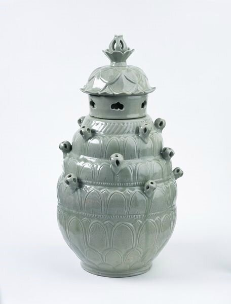 Funerary jar, stoneware with celadon glaze, Yue ware, China, Northern Song dynasty (960-1100)