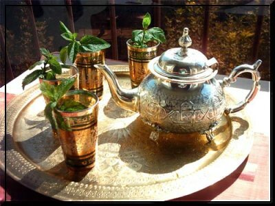 Le th royal une tradition marocaine les plantes for Taza marruecos fotos