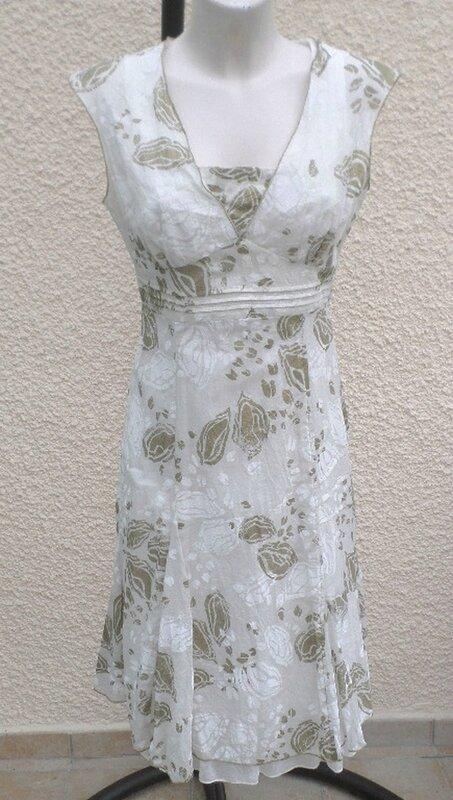 Robe Doublée Sans Manches Ecru Imprimée Fleurs Kaki Doré Et Blanc Taille 2