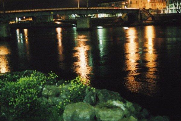 Éléments, au loin, le pont de Trinquetaille