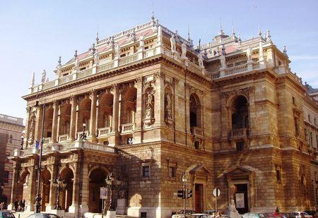 budapest_opera_house_budapest_hungary_1152_12794679206_tpfil02aw_14602