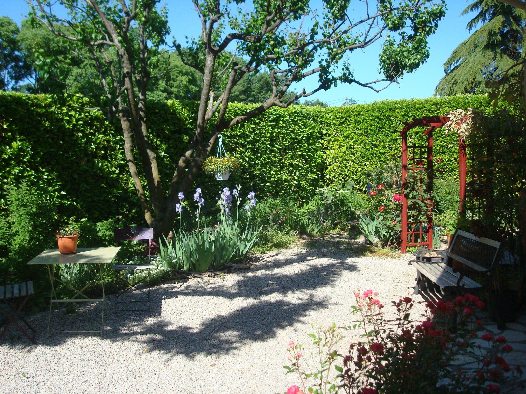 Chambres d H´tes Le jardin des carillons