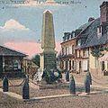 La place : le monument aux Morts